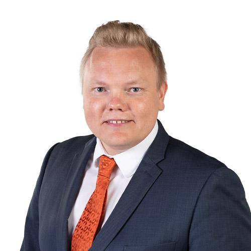 Antti Kurvinen studiokuva