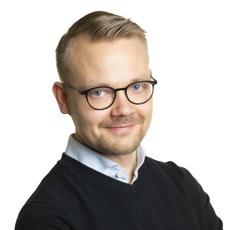 Teppo Säkkinen studiokuva