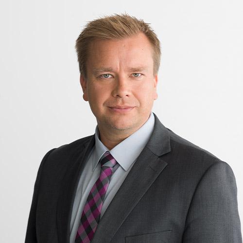Antti Kaikkonen studiokuva