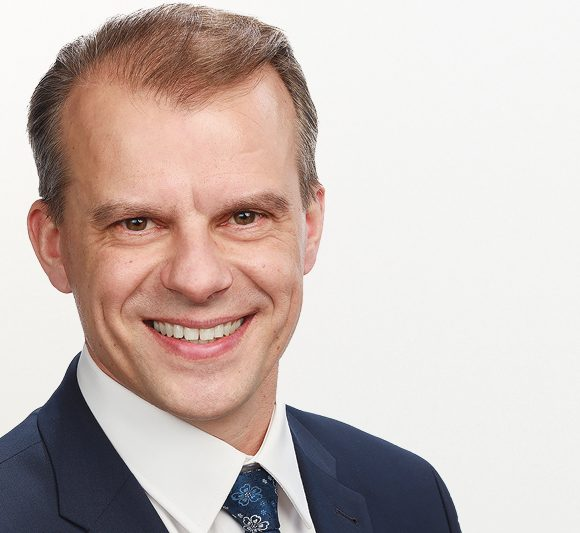 Keskustan ryhmäpuheenjohtaja Juha Pylväs: Sotea todella tarvitaan