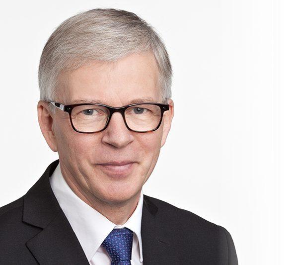 Liikennevaliokunnan varapuheenjohtaja Ari Torniainen: Autoa tarvitaan, päästöjä ei