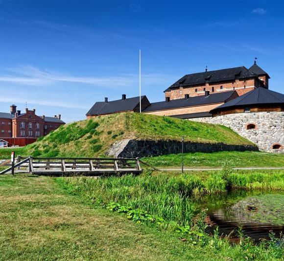 Keskustan eduskuntaryhmän kesäkokous 20.–21.8. Hämeenlinnassa