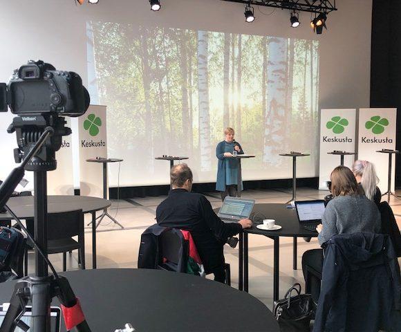 Keskustan puheenjohtaja Annika Saarikko: Olemme Suomen myönteisin ja tulevaisuuskoisin puolue
