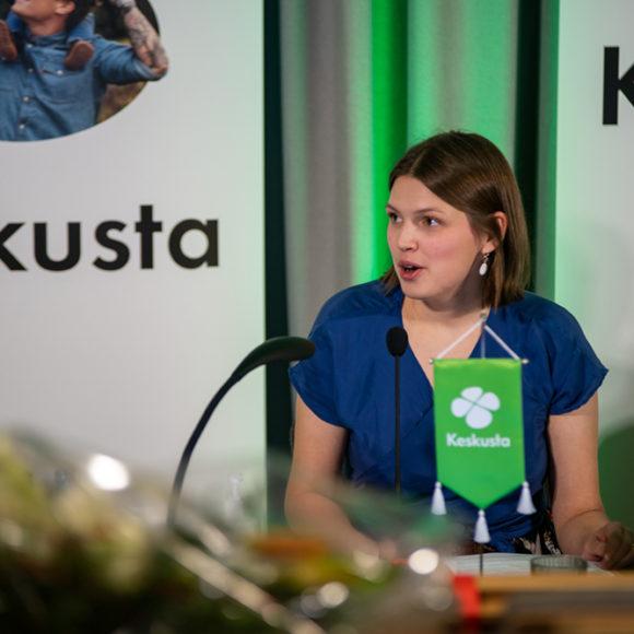 Keskustan puoluevaltuuston pj Tiusanen: Terapiatakuu tarvitaan koko Suomeen