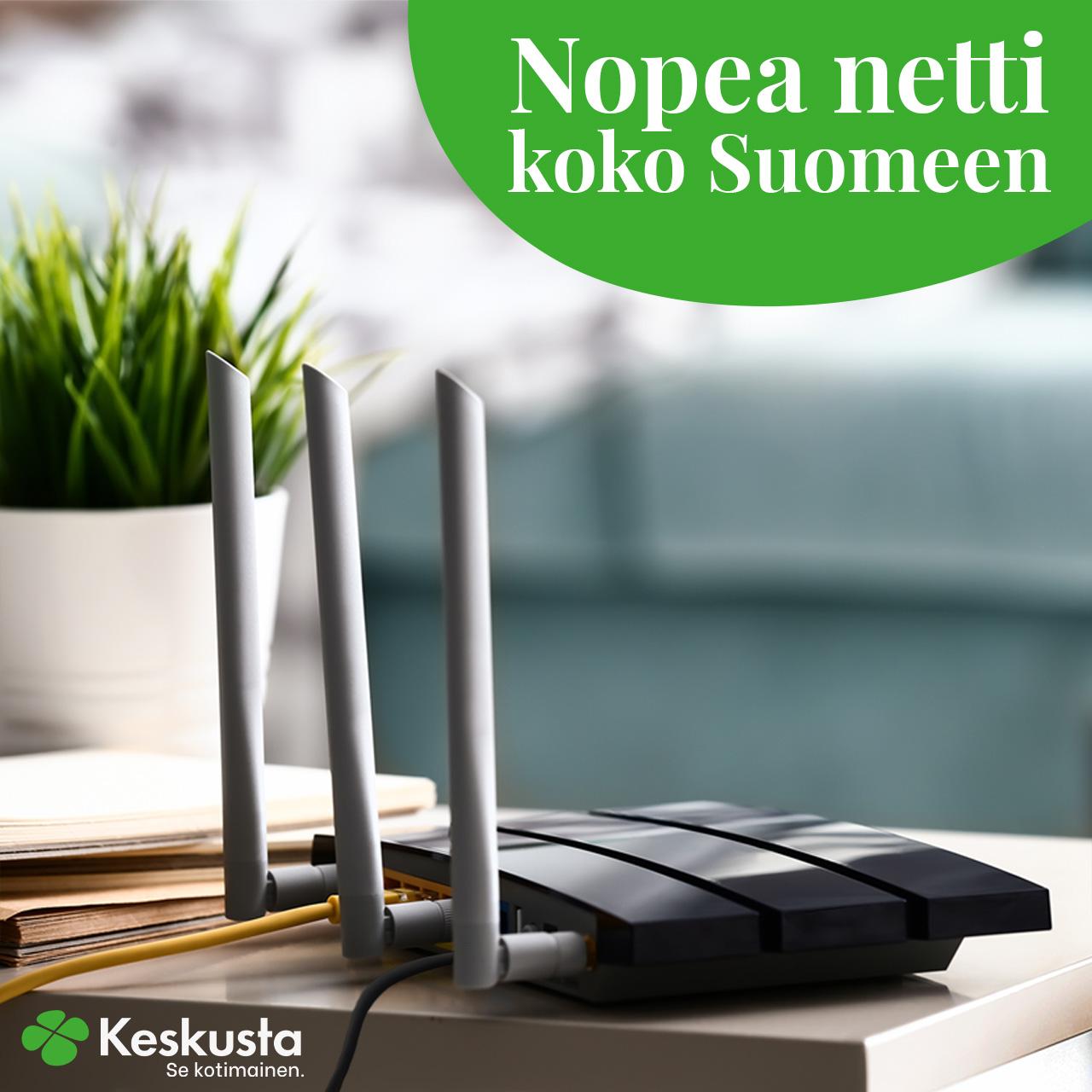 somekuva, jossa langaton modeemi pöydällä ja iskulauseena nopea netti koko Suomeen